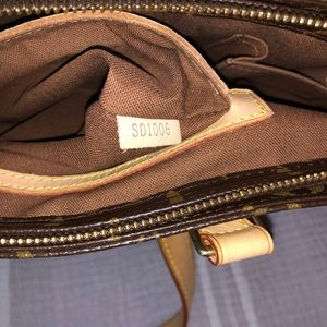 Louis Vuitton monogram shoulder bag